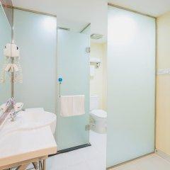 Отель Hanting EXpress Hangzhou Yuhang Zhongtai Road Китай, Ханчжоу - отзывы, цены и фото номеров - забронировать отель Hanting EXpress Hangzhou Yuhang Zhongtai Road онлайн ванная