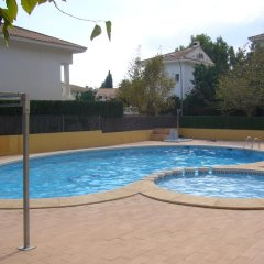 Отель Casa Alice Ла-Нусиа бассейн