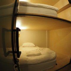 Отель Box Poshtel Phuket Стандартный номер с 2 отдельными кроватями (общая ванная комната) фото 5