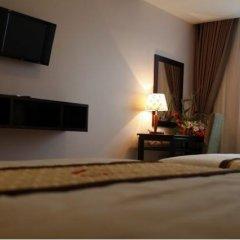 Hue Smile Hotel 3* Улучшенный номер с различными типами кроватей фото 3