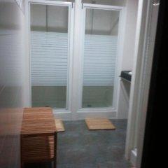Отель Hostels MeetingPoint 2* Кровать в общем номере с двухъярусной кроватью фото 17