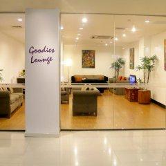 Отель Cinnamon Lakeside Colombo Шри-Ланка, Коломбо - 2 отзыва об отеле, цены и фото номеров - забронировать отель Cinnamon Lakeside Colombo онлайн интерьер отеля
