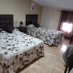 Отель Hostal Málaga Стандартный номер с различными типами кроватей фото 5