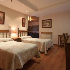 Отель Hostal Matazueras Стандартный семейный номер с двуспальной кроватью фото 4