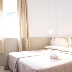 Отель Hostal El Arco Номер категории Эконом с различными типами кроватей фото 5