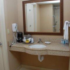 Отель Hampton Inn & Suites Staten Island 2* Стандартный номер с различными типами кроватей фото 3
