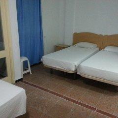 Отель Hostal Casa De Huéspedes San Fernando - Adults Only Стандартный номер с различными типами кроватей фото 3