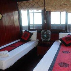 Отель Halong Dolphin Cruise 3* Улучшенный номер с различными типами кроватей фото 2