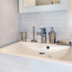 Отель Jean Moulin Universite Франция, Лион - отзывы, цены и фото номеров - забронировать отель Jean Moulin Universite онлайн ванная