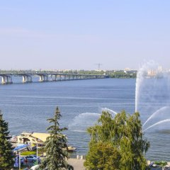 Гостиница Dnipropetrovsk Днепр приотельная территория