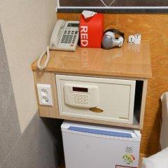 Отель D.H Sinchon Guesthouse 2* Стандартный номер с различными типами кроватей фото 11