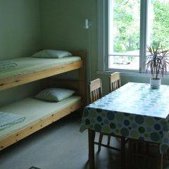 Porvoo Hostel Стандартный семейный номер с двуспальной кроватью (общая ванная комната) фото 2