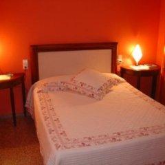 Отель Hostal Restaurante Arasa Стандартный номер с двуспальной кроватью фото 11