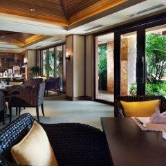 Отель Narada Resort & Spa гостиничный бар