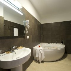 Oasi Village Hotel Милан ванная фото 4