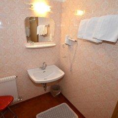 Отель Pension Garni Transit Випитено ванная