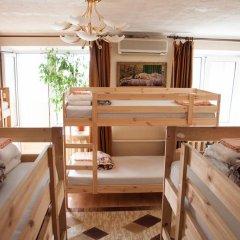 Yut Hostel Кровать в мужском общем номере с двухъярусной кроватью
