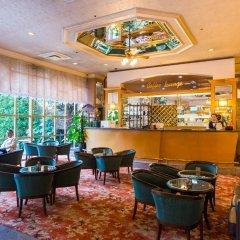 Отель Shanghai International Airport Китай, Шанхай - отзывы, цены и фото номеров - забронировать отель Shanghai International Airport онлайн гостиничный бар
