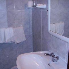 Отель Hostal Pineda ванная