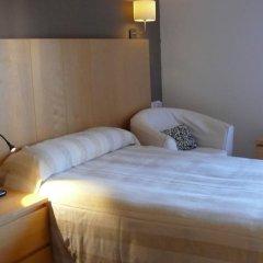 Отель Hostal Jakiton Стандартный номер с различными типами кроватей фото 4