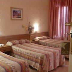 Отель Hostal Iznajar Barcelona Стандартный номер с двуспальной кроватью фото 9