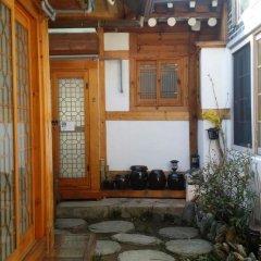 Отель Yeonwoo Guesthouse Стандартный номер с различными типами кроватей фото 12
