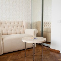 Гостиница Romantic Apartaments комната для гостей фото 5