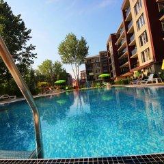 Отель Menada VIP Park Apartments Болгария, Солнечный берег - отзывы, цены и фото номеров - забронировать отель Menada VIP Park Apartments онлайн бассейн фото 2