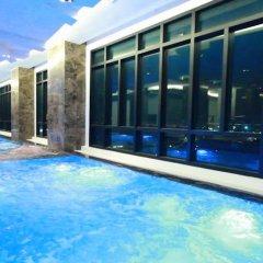 Отель Vertical Suite Бангкок бассейн фото 3