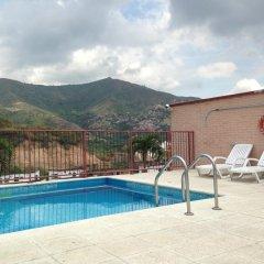 Отель Apartaloft Miro бассейн