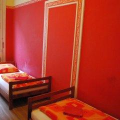 Boomerang Hostel and Apartments Стандартный номер с различными типами кроватей (общая ванная комната) фото 6