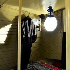 Отель Floating B&B Amsterdam Нидерланды, Амстердам - отзывы, цены и фото номеров - забронировать отель Floating B&B Amsterdam онлайн интерьер отеля фото 3
