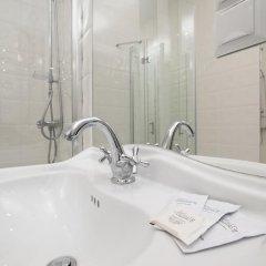 Гостиница Partner Guest House Khreschatyk 3* Полулюкс с различными типами кроватей фото 11