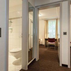 Апартаменты Ema House Serviced Apartments, Superior Standard, Unterstrass Цюрих сейф в номере