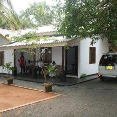 Отель Goyagala Lake Resort парковка