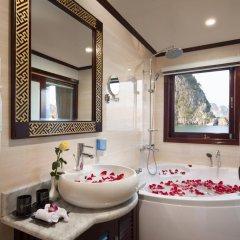 Отель Halong Silversea Cruise 3* Номер категории Премиум с различными типами кроватей фото 5