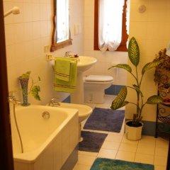 Отель B&B The Caponi Bros 3* Стандартный номер с двуспальной кроватью (общая ванная комната) фото 14
