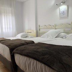 Отель Las Rocas de Isla Испания, Арнуэро - отзывы, цены и фото номеров - забронировать отель Las Rocas de Isla онлайн комната для гостей фото 2