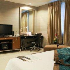 Отель FuramaXclusive Asoke, Bangkok 4* Номер категории Премиум с различными типами кроватей фото 14