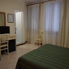 Отель Universo & Nord Италия, Венеция - 3 отзыва об отеле, цены и фото номеров - забронировать отель Universo & Nord онлайн комната для гостей фото 9