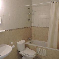 Отель Zambas Court ванная