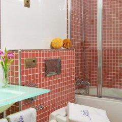 Отель Suites Gran Via 44 Apartahotel ванная фото 2