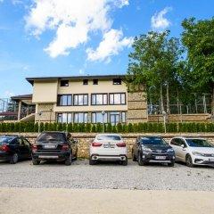 Отель Sinabovite Houses Болгария, Боженци - отзывы, цены и фото номеров - забронировать отель Sinabovite Houses онлайн парковка