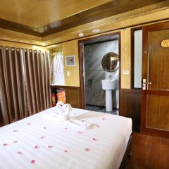 Отель Bai Tu Long Junks сауна