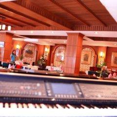 Отель Patong Bay Garden Resort Таиланд, Пхукет - отзывы, цены и фото номеров - забронировать отель Patong Bay Garden Resort онлайн приотельная территория