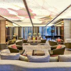 Отель Hilton Sukhumvit Bangkok Таиланд, Бангкок - отзывы, цены и фото номеров - забронировать отель Hilton Sukhumvit Bangkok онлайн гостиничный бар