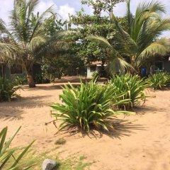 Отель Akwidaa Inn парковка