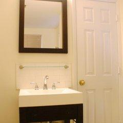 Отель Americana Inn 2* Стандартный номер с 2 отдельными кроватями (общая ванная комната) фото 6