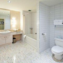 Отель Le Square Phillips Hotel And Suites Канада, Монреаль - отзывы, цены и фото номеров - забронировать отель Le Square Phillips Hotel And Suites онлайн ванная