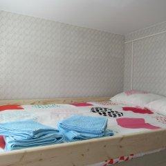 Хостел Aleks Семейный номер разные типы кроватей фото 5